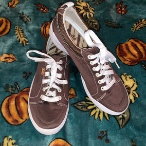 Keds sneakers size7